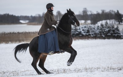 Fina Excell, 27 år, och Camilla i en levad. 12 januari 2014.