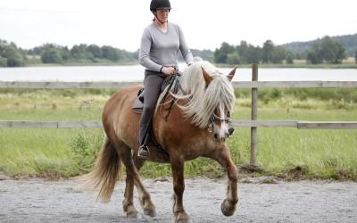 Camilla tränar Saga. 22 juli 2015.